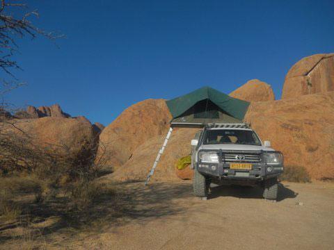 4x4 allrad gel ndewagen mit 1 dachzelt mieten mahena safaris. Black Bedroom Furniture Sets. Home Design Ideas